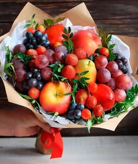 Фруктовый букет с клубникой и яблоками