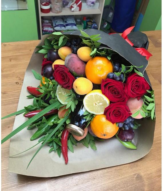 Фруктовый букет с розами и вишневым нектаром